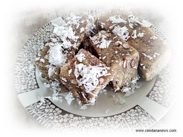makanan kue tetel