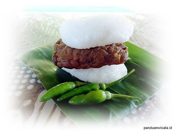 Traveling to Kaliurang and Enjoy the Iconic Tempeh Burger
